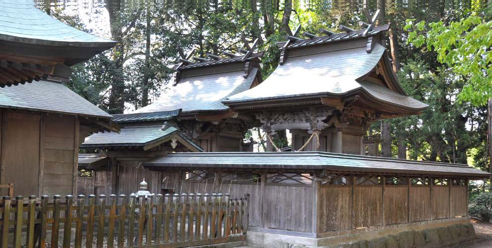 茨城の鹿嶋八幡神社(額田神社)の鹿島神本殿・八幡神本殿
